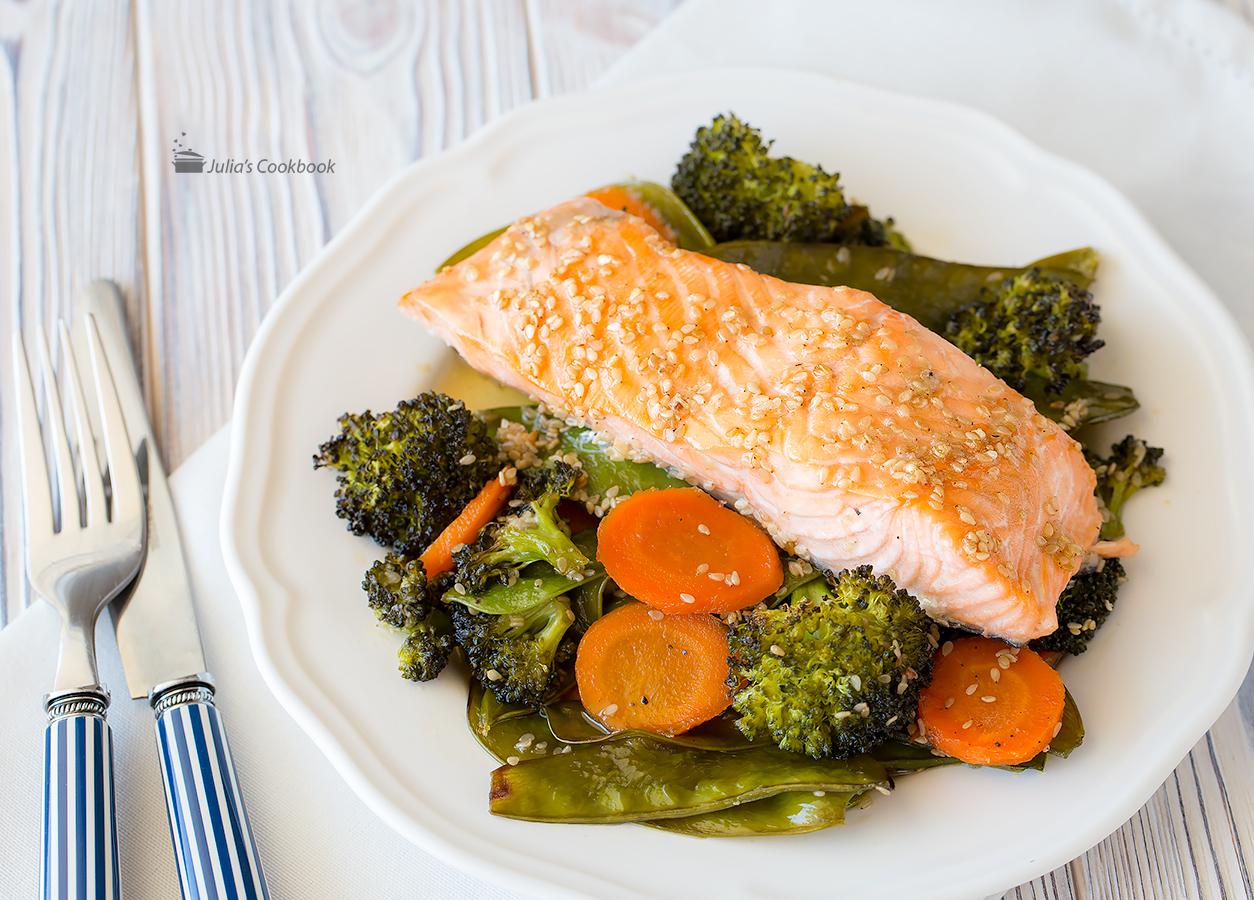 Лосось и овощи под соусом терияки