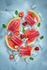 Арбузно-клубничный фруктовый лед